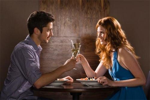 第一次相亲聊些什么,相亲聊天的秘诀